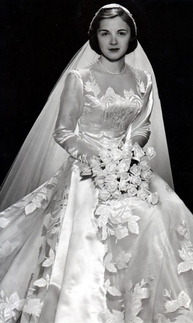 The 1950s: The Boom Period of Wedding Gowns After World ...