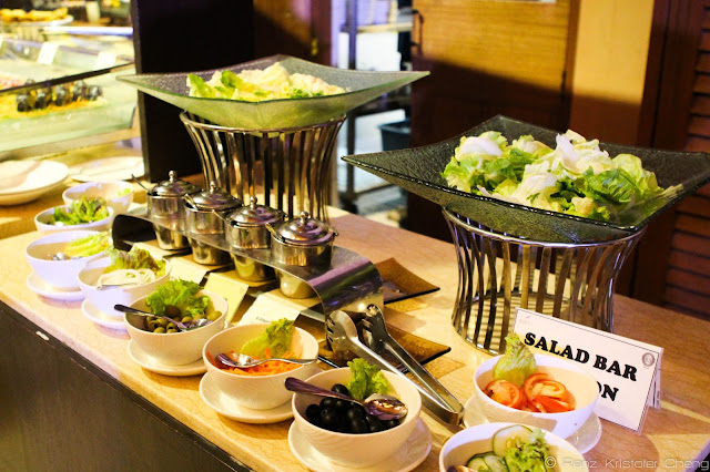 Salad Bar and Taco Station of Spice Market, Misibis