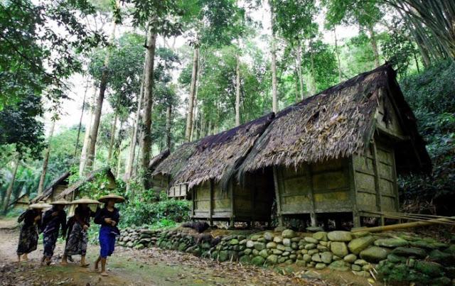 Rumah Adat Provinsi Banten ( Rumah Badui )