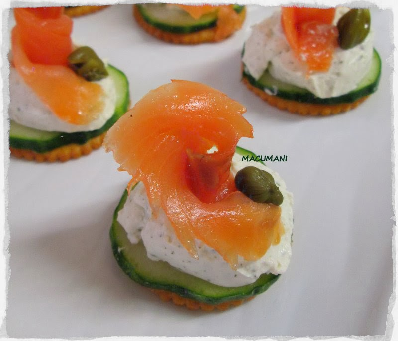 CANAPES ORIGINALES CON SALMON