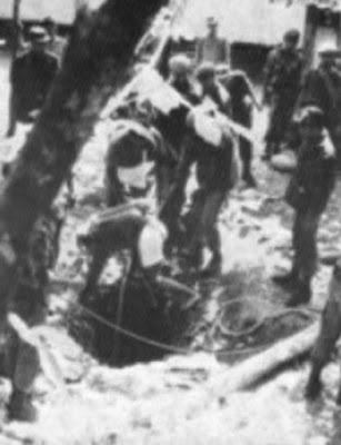 Sumur lubang buaya mayat diangkat sejarah pengangkatan oleh marinir KKO