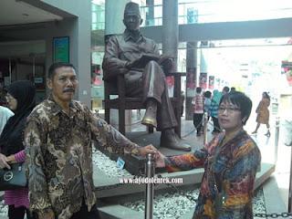 Patung Bung Karno di Pelataran MBK, Blitar