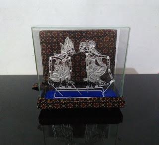 silver puppet miniatures