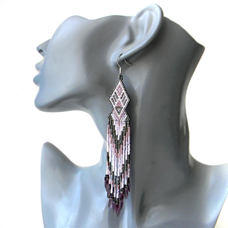 Бисерные серьги в лиловых тонах