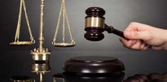 إلى رجال القانون المسلمين الذين لطالموا تأثروا بالفكر القانوني الغربي