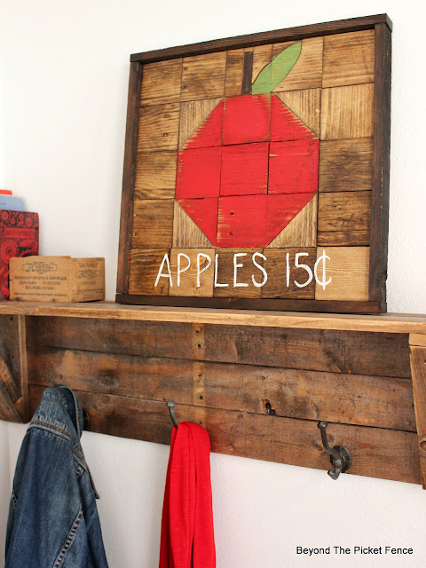 make a fall sign out of pallet wood
