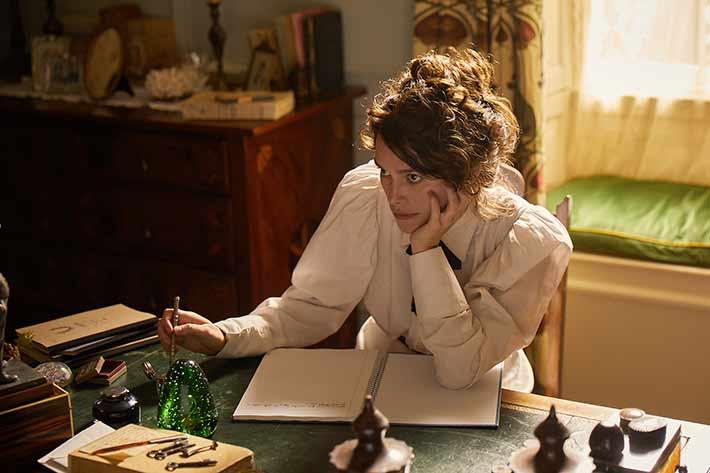 Colette: com Keira Knightley, filme traz recorte da trajetória de uma das maiores escritoras da literatura francesa de todos os tempos | Cinema