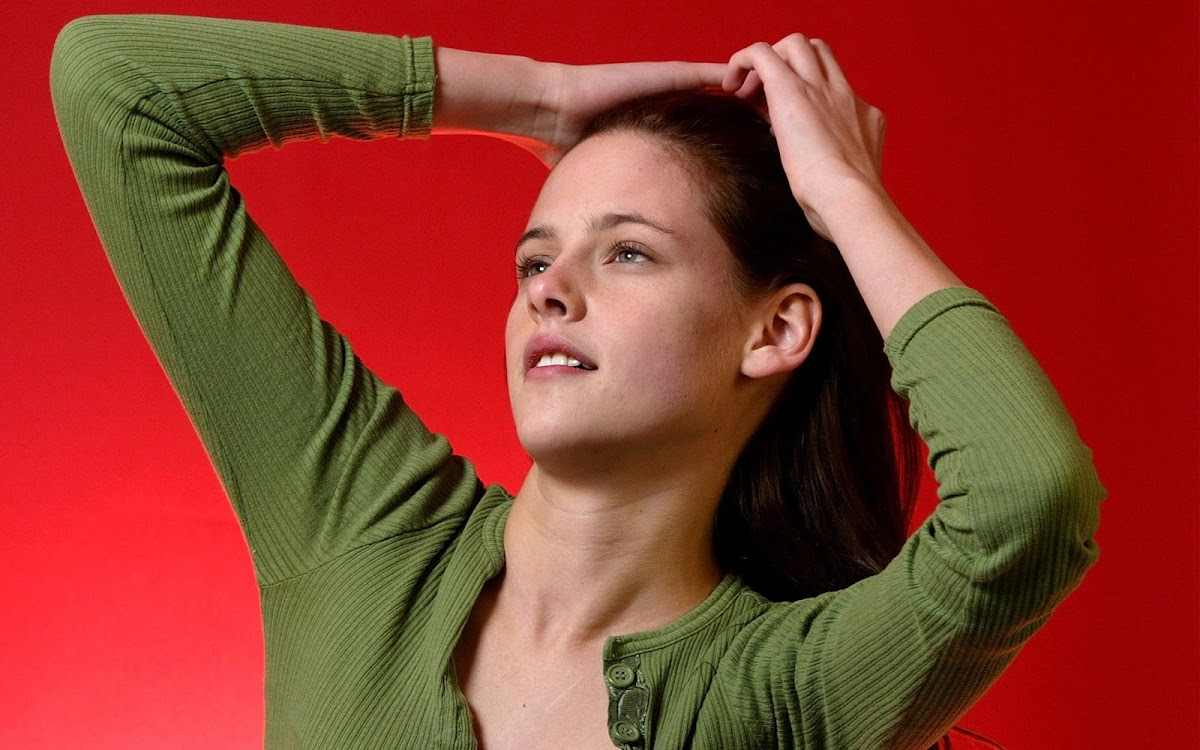 Kristen Stewart Widescreen HD Wallpaper 13