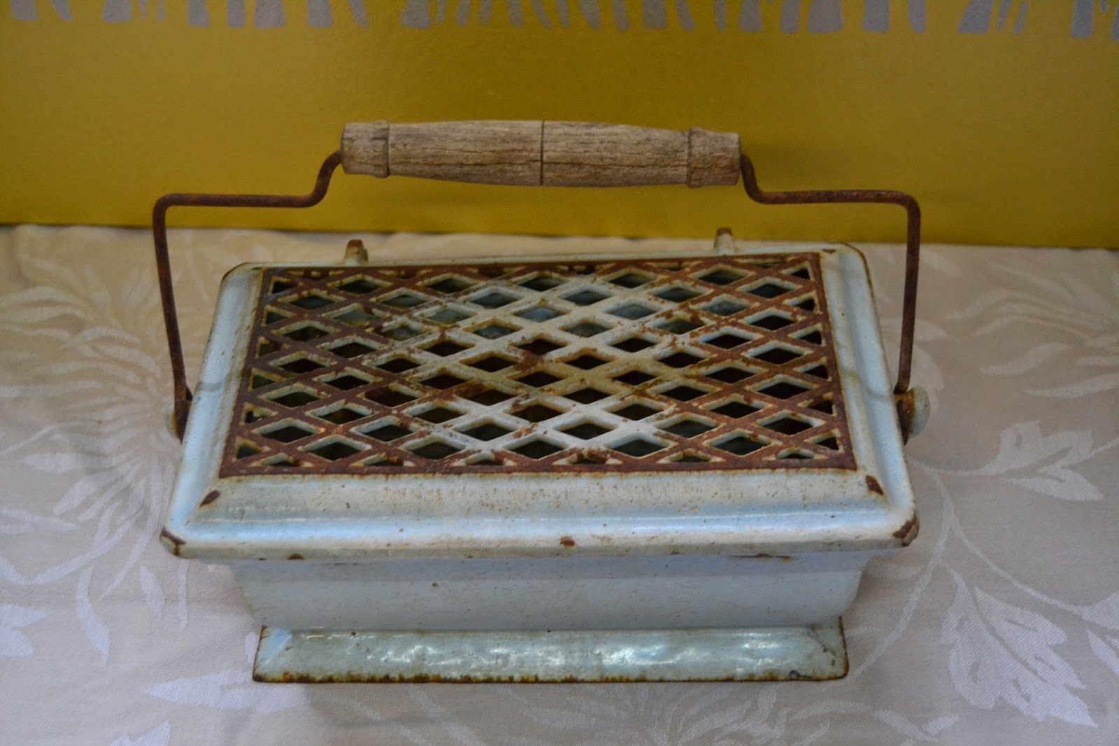taller de restauraci n lila brasero antiguo. Black Bedroom Furniture Sets. Home Design Ideas