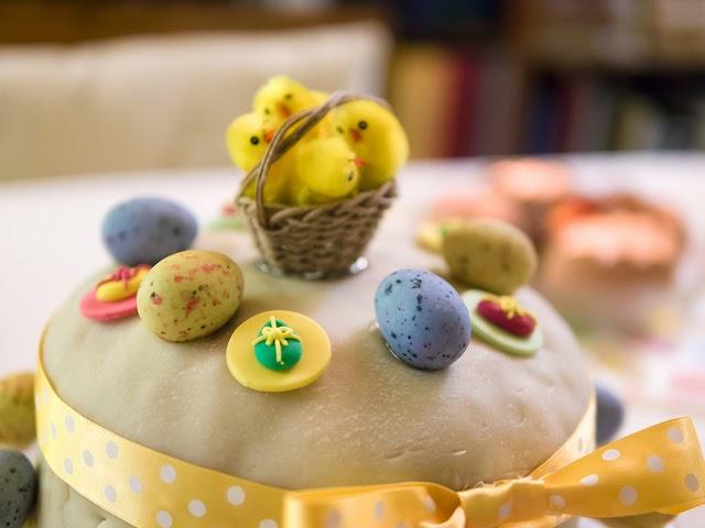 Gâteau de Pâques américain décoré