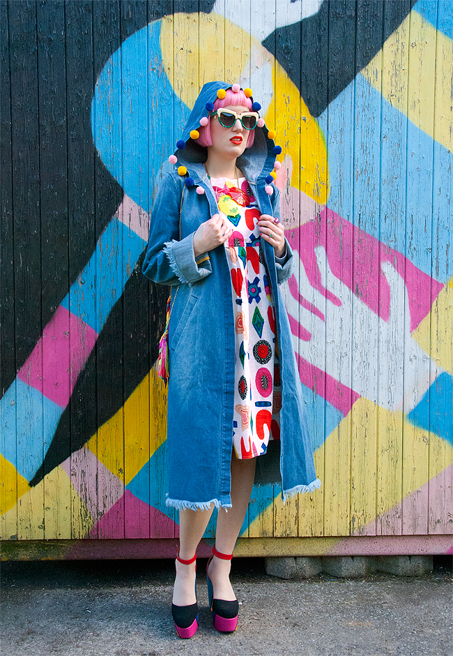 Schmiley Mo, denim coat, rainbow look