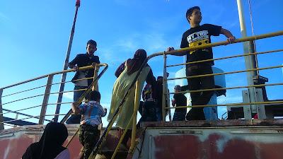 """""""Arief dan Agoes di Kapal Apung"""""""