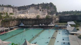 kolam renang di bukit kapur jaddih