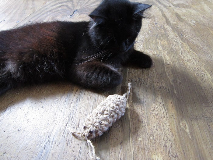 crochet, cats, cat toy, mouse