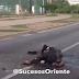 VÍDEO: Atroz - Opositores violentos en protesta incineran a otro transeúnte en Venezuela por ser chavista
