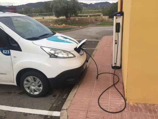 Las depuradoras de Buñol y Segorbe son las primeras en incorporar vehículos eléctricos para los desplazamientos en los trabajos de explotación