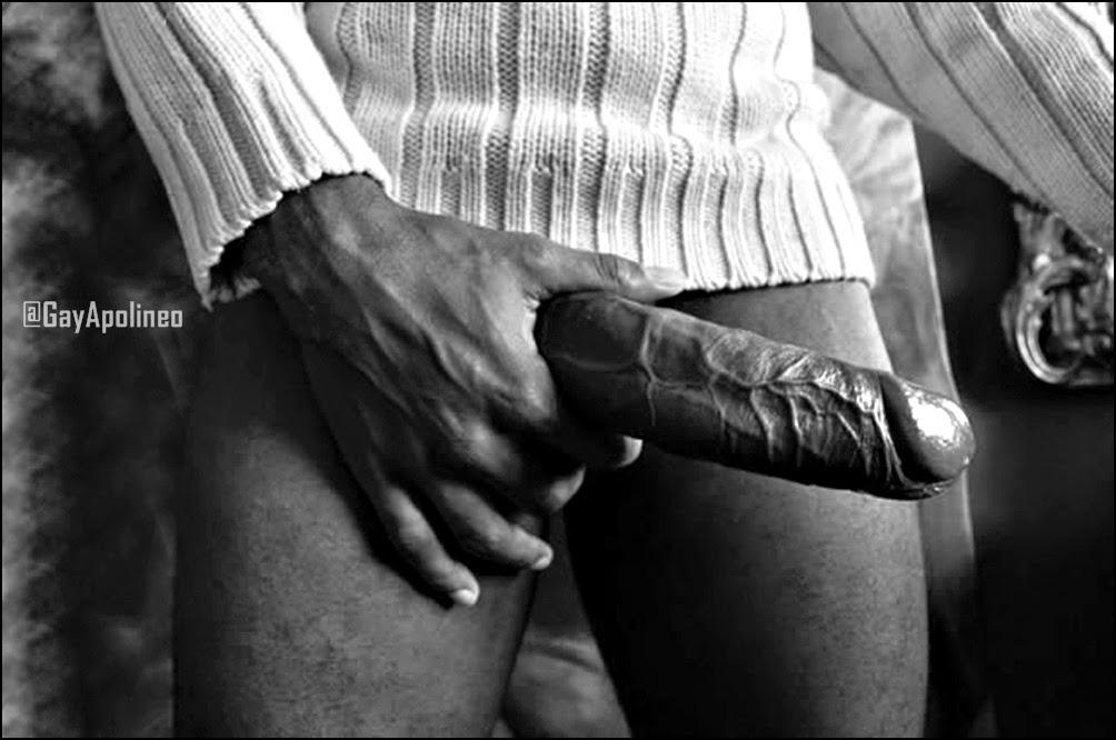 Grirando en el sofa de placer - 2 part 2