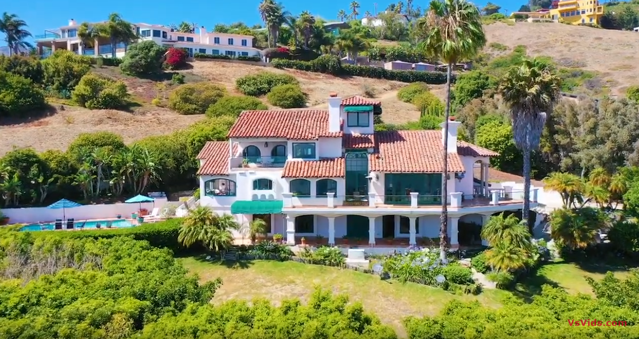 19 Photos vs. 3909 Villa Costera | Malibu - Luxury Home Tour