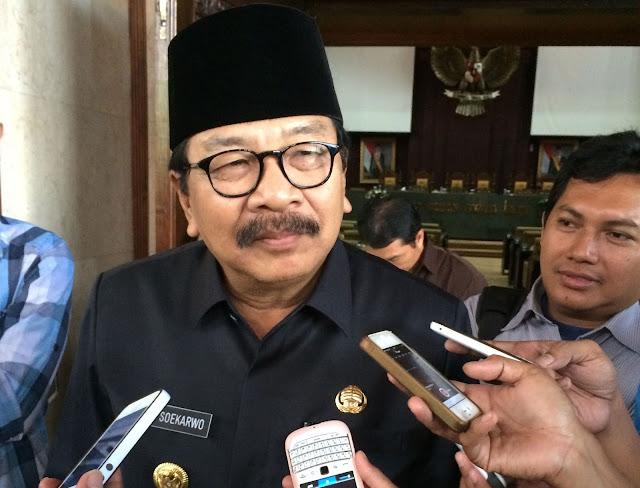 Gubernur Jatim Menolak Usulan Kapolda untuk Melarang HTI di Jawa Timur