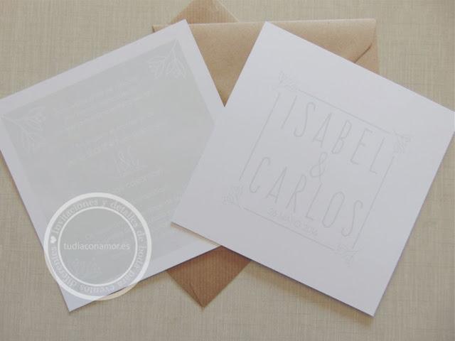 Invitaciones de boda naturales y sencillas con acuarela verde para combinar con sobre en papel kraft reciclado