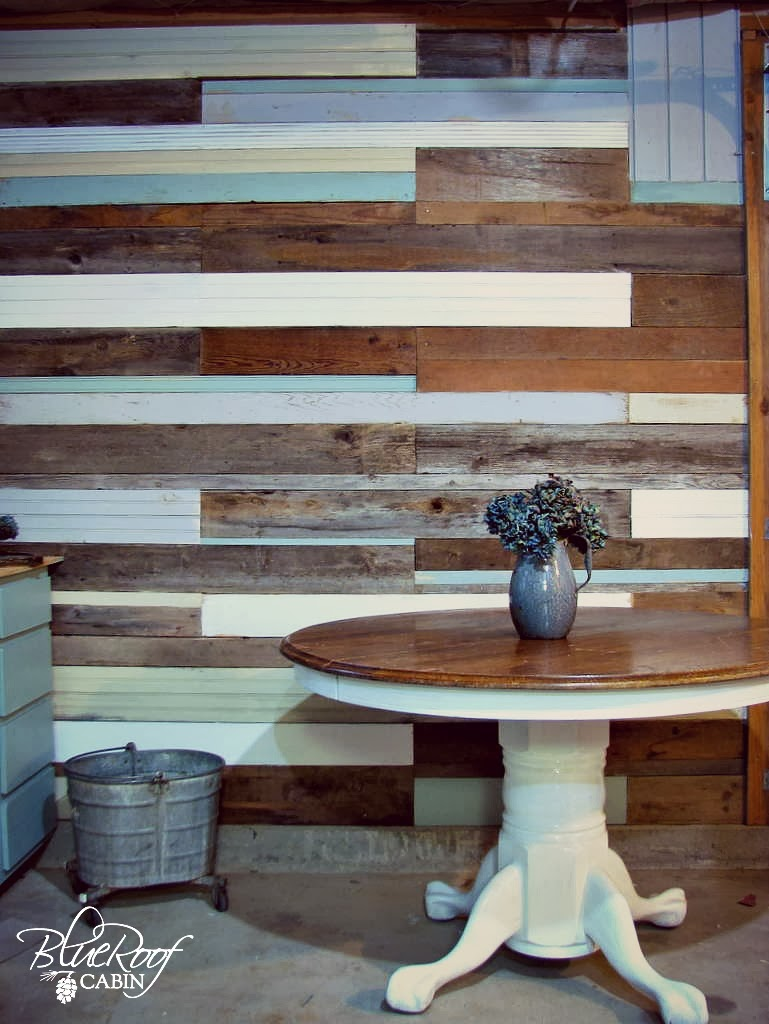 Ideal blue roof cabin: DIY Plank Wall PV48