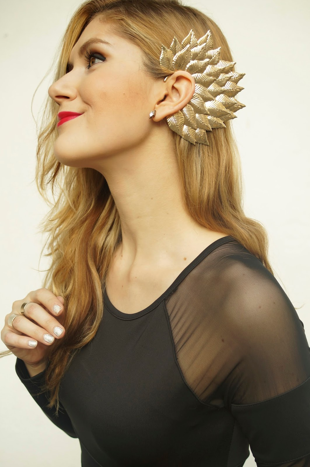 This bold earcuff is gorgeous!