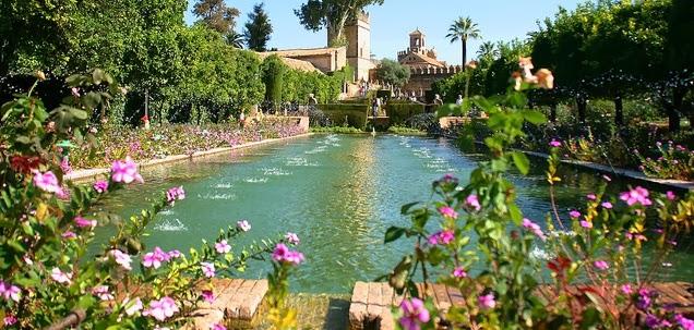 Los jardines del Alcázar de los Reyes Cristianos en Córdoba
