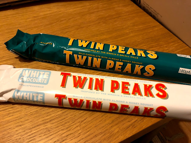 Twin Peaks White and Milk Chocolate Bar