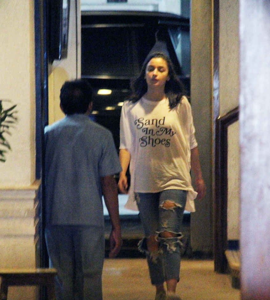 Alia Bhatt Snapped at Sidharth Malhotras Residence