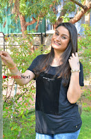 Tamil Actress Sonia Agarwal Pos in Denim Jeans at Unnaal Ennaal Movie Shooting Spot  0002.jpg