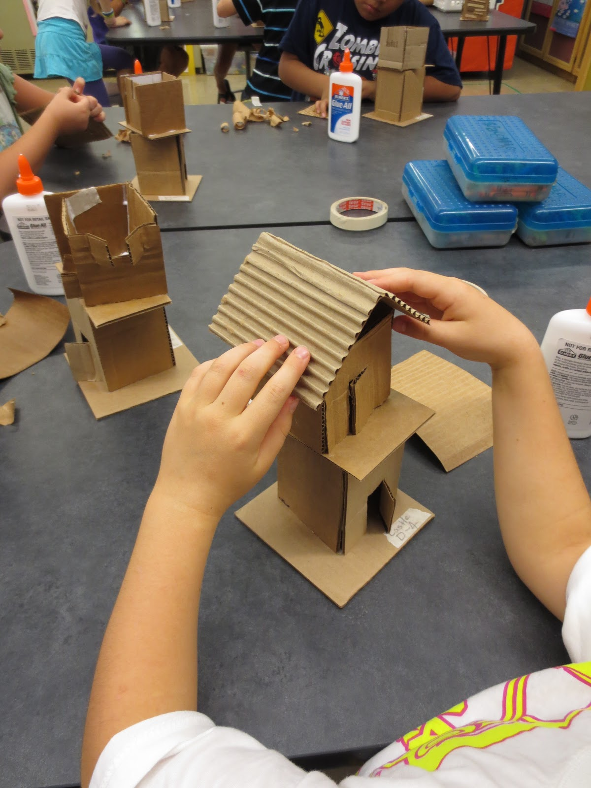 Zilker elementary art class fourth grade house sculptures for Make a 3d room
