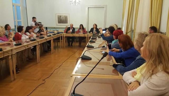 Ρουμάνοι τουριστικοί πράκτορες και δημοσιογράφοι στην Πελοπόννησο