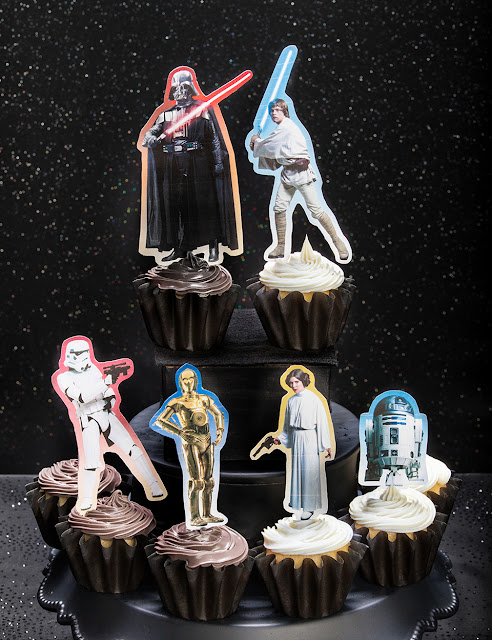 Star Wars Free Printable Cake and Cupcake Toppers.