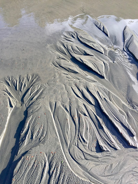 AMAZING SAND DESIGNS ON TOFINO'S BEACH