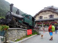 メール・ド・グラース氷河行きの電車が出るモンタンヴェール駅 蒸気機関車