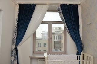 Дубовое деревянное окно