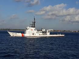 Kapal Patroli KPLP Terus Patroli di Lokasi Kandas KMP Lestari Maju