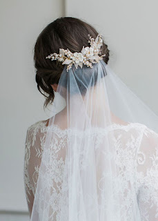 best wedding hair comb for veil