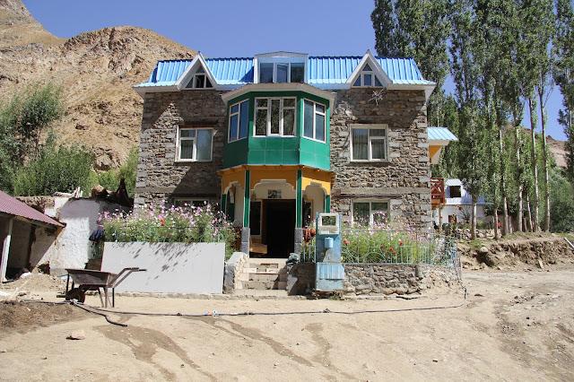 Tadjikistan, Haut-Badakhshan, Pamir, Garmchashma, maison pamiri, © L. Gigout, 2012