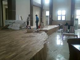 Tips cara mengganti lantai kayu parket yang rusak