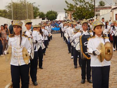 Resultado de imagem para otos da banda herondina caldas no desfile do de setembro 016 em sao paulo do potengi
