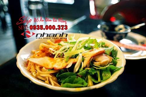 Cao lau - Ship do an dem tai Da Nang