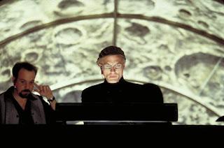 La alegoría de la caverna en el cine (el show de Truman), Tomás Moreno