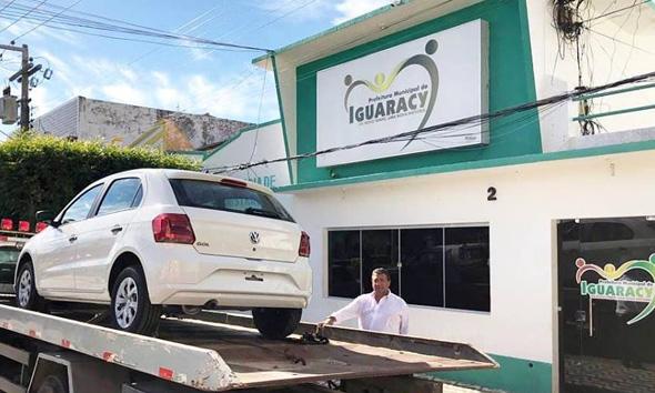 Mais uma conquista para cidade de Iguaracy, prefeito entrega a população mais um veículo zero km.