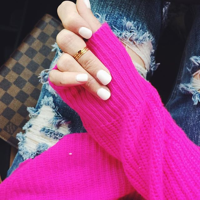 gorjana midi rings, pur lux nails tulsa, sns white nails powder, autumn cashmere pink sweater, emily gemma blog