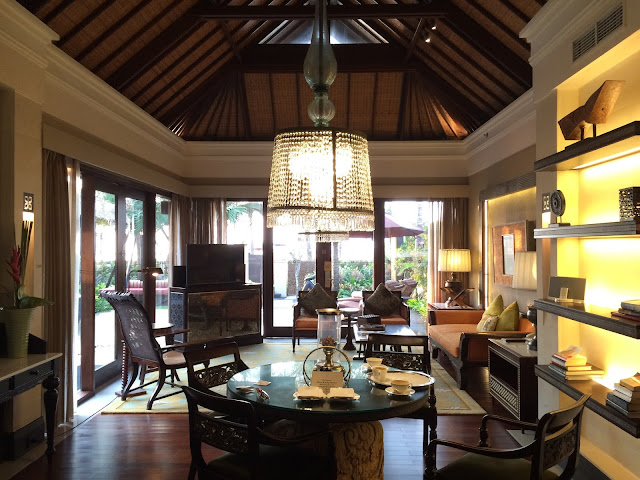 The St. Regis Bali Resortのリビングルームの写真