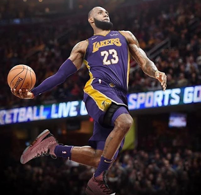 1d54fe76b2f NBA Champion LeBron James Signs  154 million Contract With The LA Lakers
