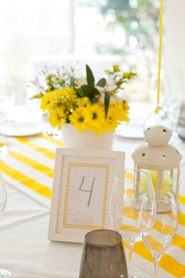 Seating La Comunion de Laia - Decoracion en amarillo - Blog La Comunion de Noa