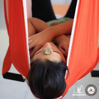 relax, yoga nidra, relaxation, cursos formacion aero yoga y aero pilates paraguay, latino america, air yoga, fly, flying, columpio