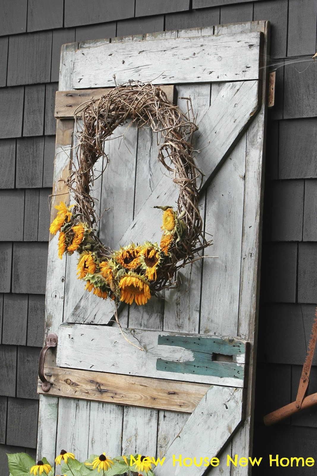 What To Do With Faded Sunflowers Wreath New House New Home